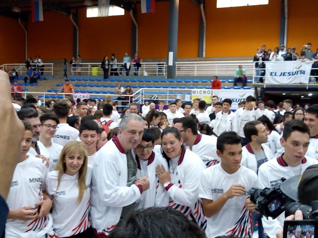 """""""El deporte hace mejores personas y el Estado debe estar ahí"""" dijo Passalacqua al despedir delegación que competirá en los Juegos Evita en Mar del Plata"""