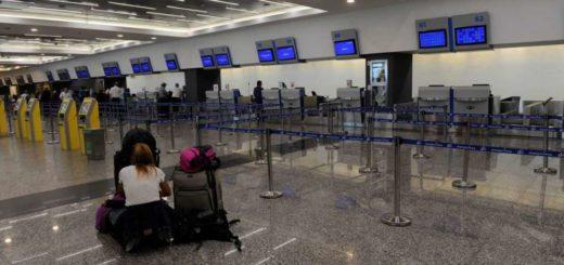 En campaña: Alberto Fernández les pidió a los pilotos de Aerolíneas que no realicen más paros