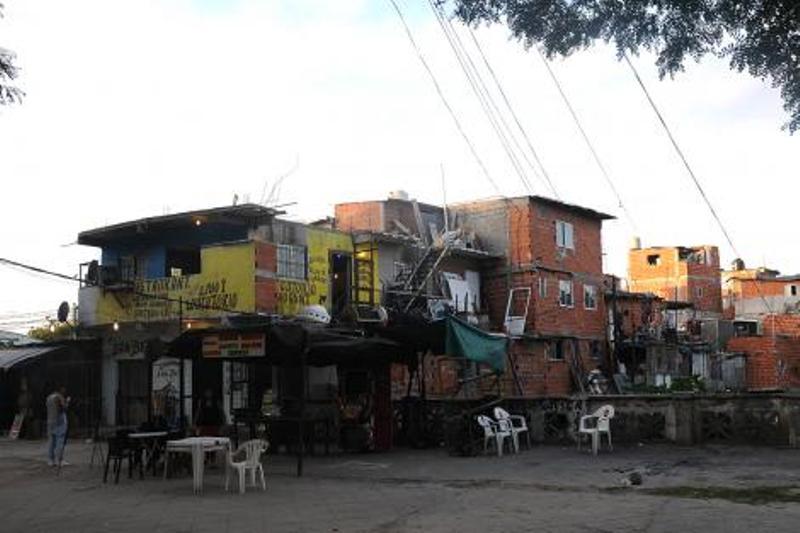 """Pichetto se refirió a la venta de droga en las villas: """"Habría que dinamitar todo, que todo vuele por el aire"""""""