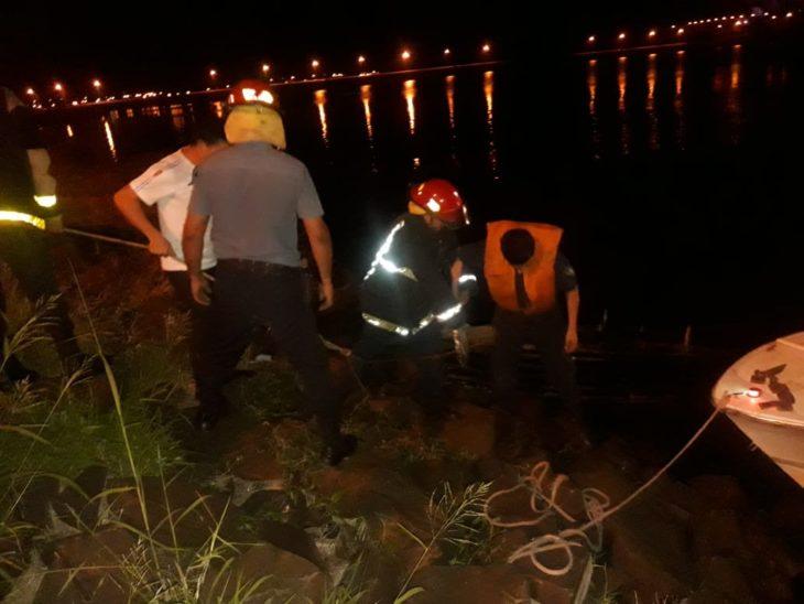 Encontraron la canoa en el Arroyo Mártires, pero siguen sin hallar a la persona desaparecida