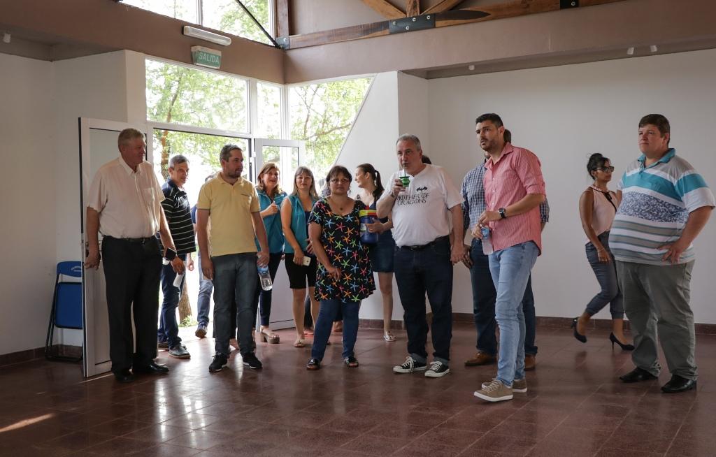 Passalacqua inauguró plaza, sum y salón de exposiciones en Santa Rita