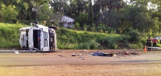 Trabajadores municipales de Eldorado iniciaron huelga por el accidente fatal que involucró a dos recolectores