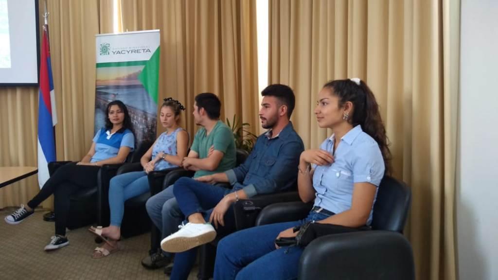 """Yacyretá entregó diez becas a estudiantes del programa """"Caminos de Inclusión"""""""