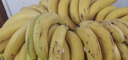 """Fruta de """"oro"""": el precio de la banana está por las nubes en Posadas"""
