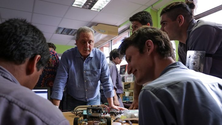 Passalacqua entregó kit de impresoras 3D en la Escuela Técnica N° 1 de Posadas