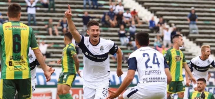 Gimnasia goleó 3-0 a Aldosivi en Mar del Plata