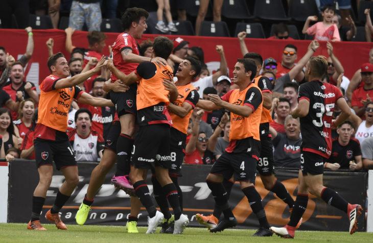 Newell's superó a Defensa y Justicia y volvió a sonreír en la Superliga