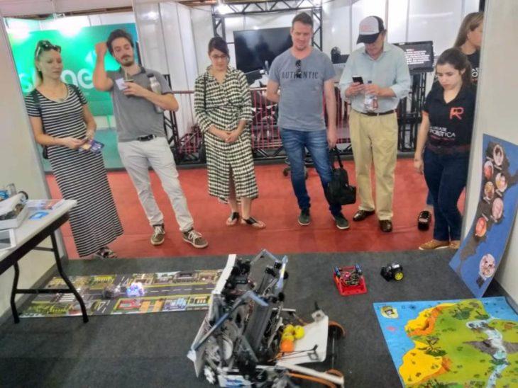 La Escuela de Robótica de Misiones participa de una feria de ciencia y tecnología en Pato Branco – Brasil
