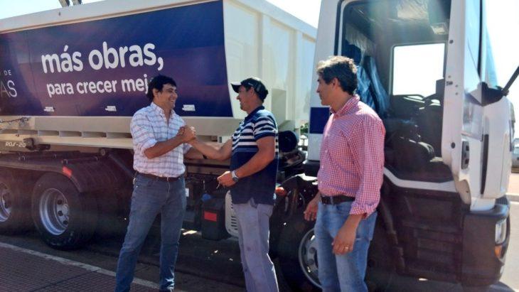 Losada presentó nuevos camiones y anunció que en los próximos días pondrán en funcionamiento la planta de reciclado y chipeadora industrial