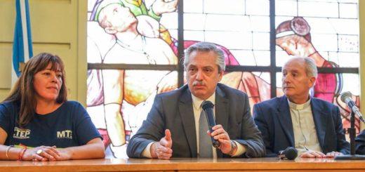"""Alberto Fernández se reunió con la Pastoral Social y movimientos sociales: """"Vine a escucharlos"""""""