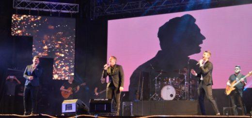 Entre ritmos, recuerdos y el público de pie, Destino San Javier cerró la Tercera Luna del Festival del Litoral