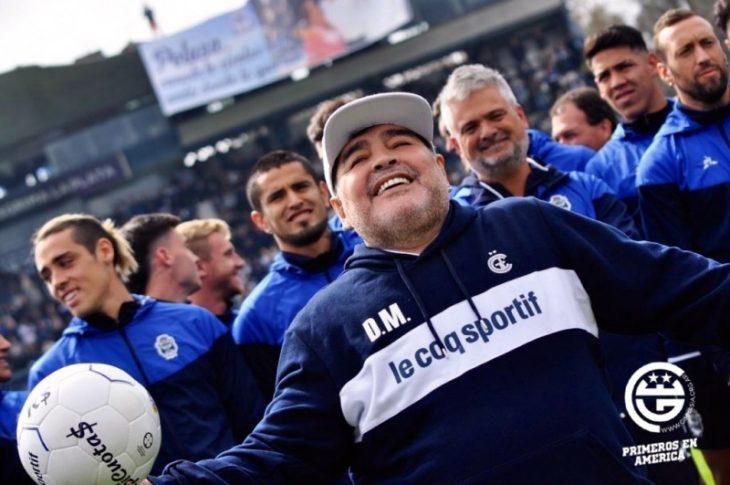 Diego Maradona estaría evaluando dejar la conducción técnica de Gimnasia