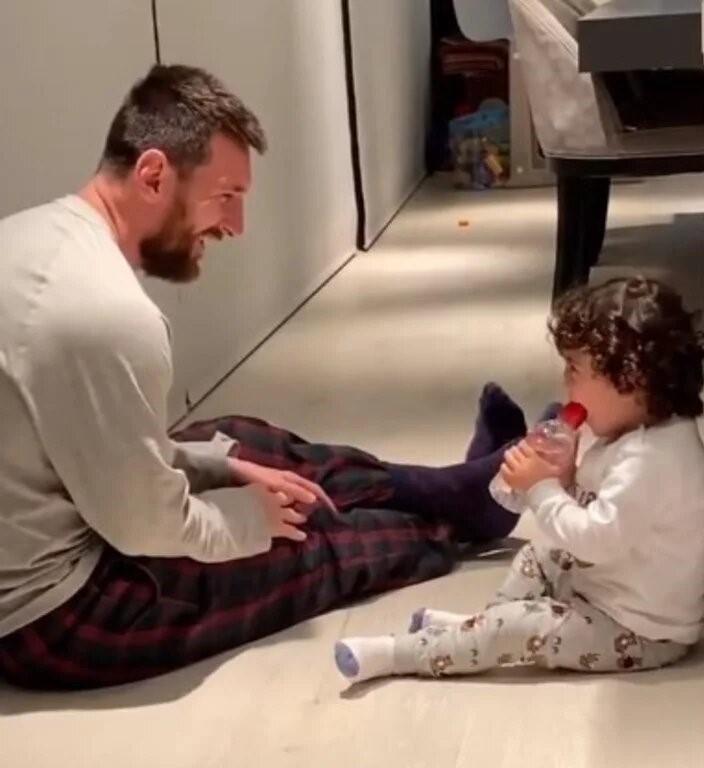 Video: el tierno lado paternal de Lionel Messi