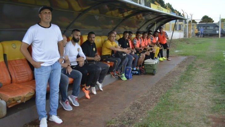 Fútbol: Sandro Bárbaro dejó de ser el técnico de Crucero del Norte
