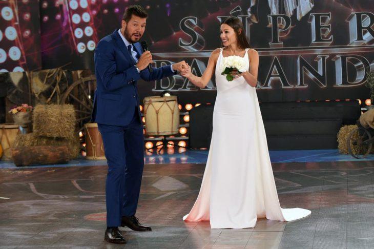 ShowMatch 2019: Pampita lució el vestido de novia que le diseñó una participante del reality Corte y confección