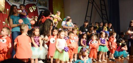 El intendente de Posadas Joaquín Losada participó del cierre del ciclo lectivo de los Jardines Maternales Municipales