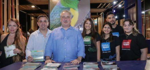 Passalacqua recorrió la Feria Provincial de Turismo que comenzó este viernes en la Costanera de Posadas