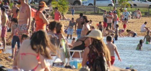 La temporada de verano arrancó con altas temperaturas y mucho público en el Balneario El Brete de Posadas