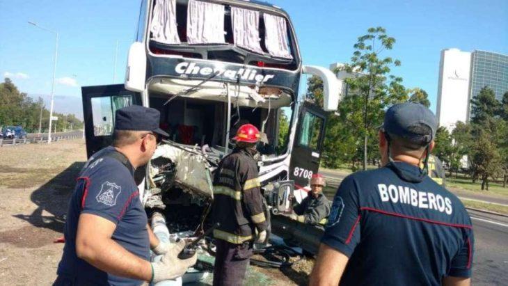 Chocó un micro en Mendoza: hay varios heridos
