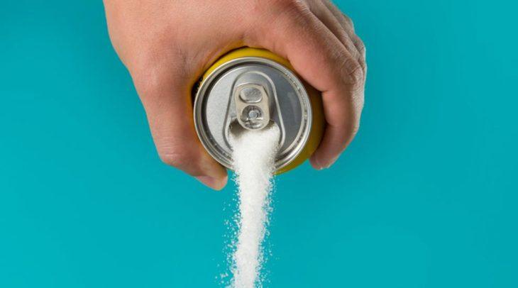¿Sabías la cantidad de azúcar que consumimos en las bebidas gaseosas y jugos?