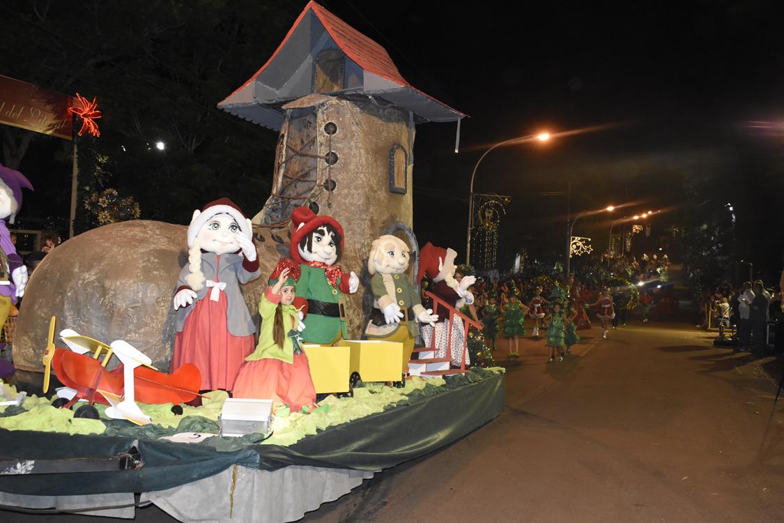 Fiesta Nacional de la Navidad en Alem: los materiales para la decoración de cada año son reutilizados, mirá los diseños propuestos en la Edición 2019