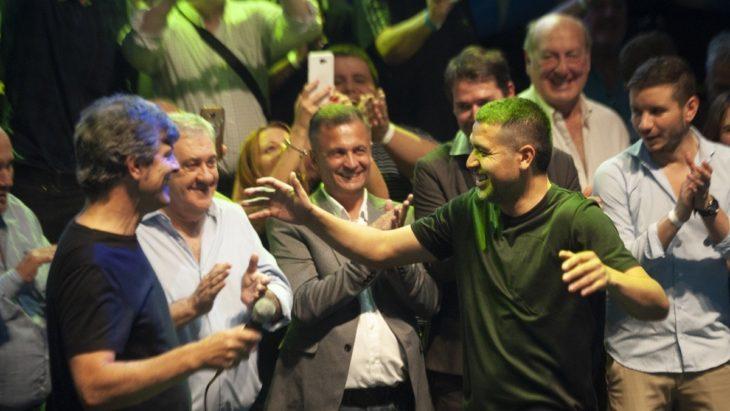 Ameal es el nuevo presidente de Boca Juniors luego de obtener el 53 % de los votos
