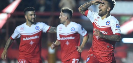 Fútbol: con dos partidos se cierra la primera parte de la Superliga