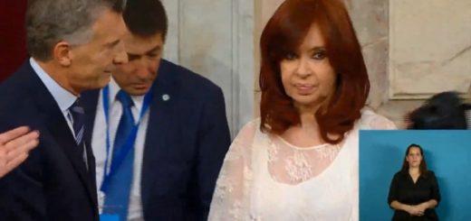 El tenso saludo entre Mauricio Macri y Cristina Kirchner