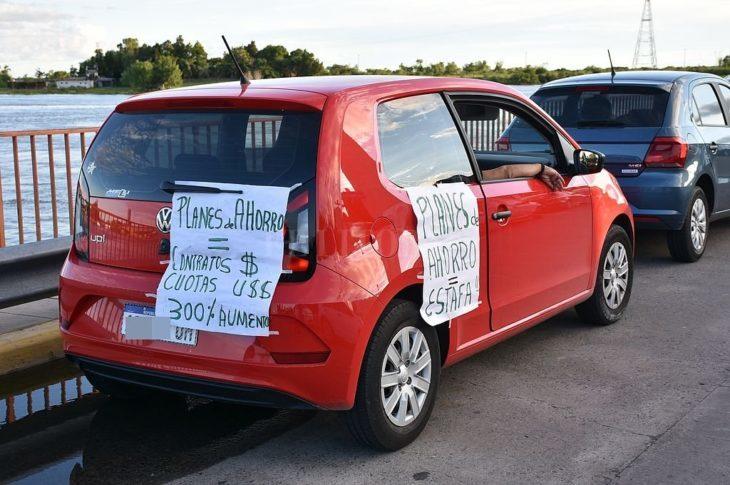 Intiman a automotrices a acreditar el cumplimiento de la medida cautelar dictada por Casals