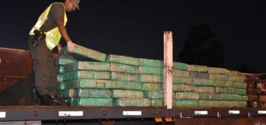 Gendarmería secuestró 4.573 kilos de marihuana que circulaban en un camión proveniente de Brasil en Corrientes