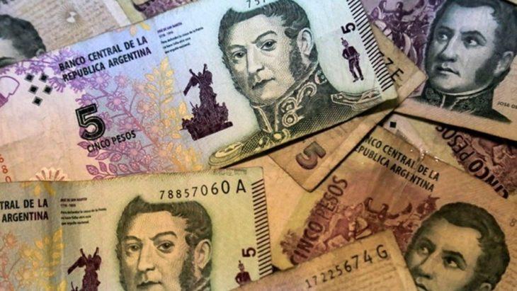 Sancionarán a los comercios que no acepten billetes de 5 pesos