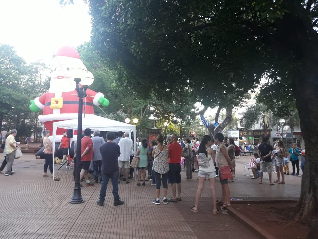 Posadas mágica: el espíritu navideño invadió la plaza 9 de Julio