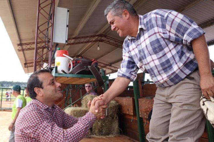 El gobernador Oscar Herrera Ahuad pidió el compromiso de todos para lograr una «Misiones Ganadera»