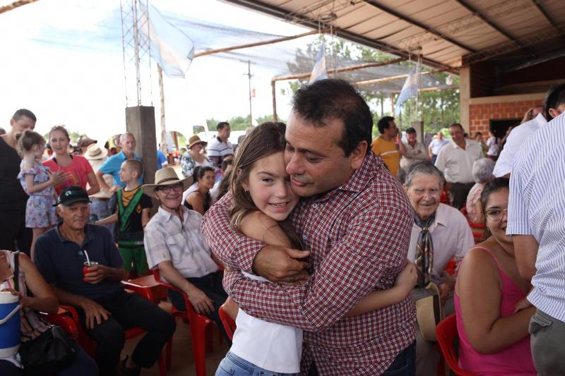 """El gobernador Oscar Herrera Ahuad pidió el compromiso de todos para lograr una """"Misiones Ganadera"""""""