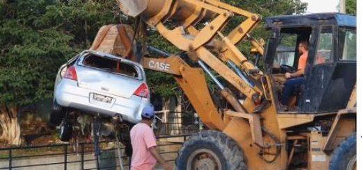 Paraná: sacaron su auto del arroyo, pero aún no hay rastros de Fiorella