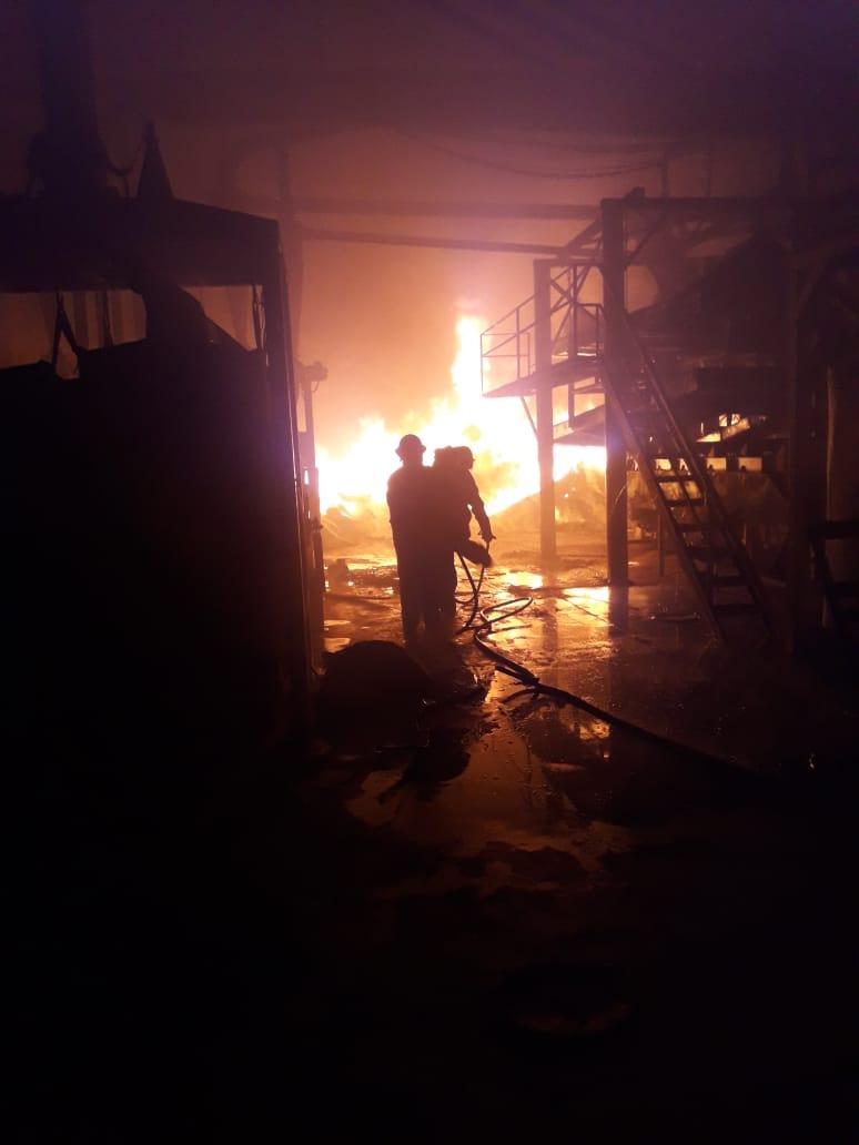 """Se incendió el secadero de la yerba mate """"Cuarto de Milla"""" en Campo Grande"""