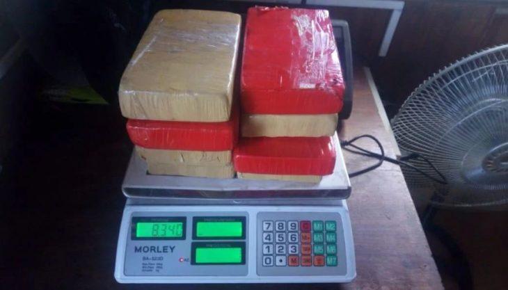 Detienen en Oran al cónsul de Bolivia al intentar ingresar al país ocho kilos de cocaína