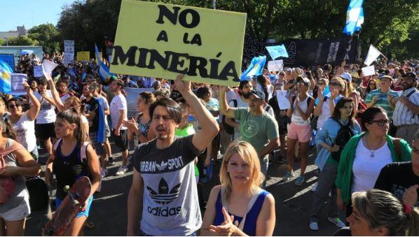 El Gobierno de Mendoza promulgó la nueva ley de minería a pesar de rechazo de la población