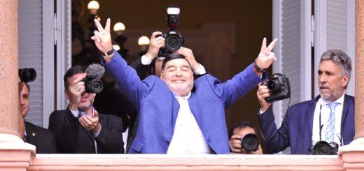 """Maradona en su visita al Presidente en la Casa Rosada: """"Macri nunca más, que se vaya a vivir a Tailandia"""""""