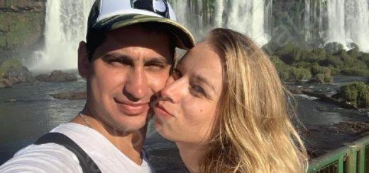 Una pareja llegó desde Ucrania a visitar las Cataratas y él le propuso casamiento
