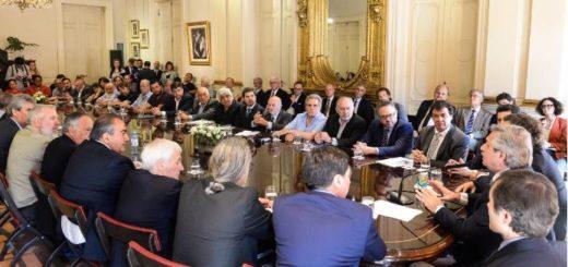 """Pacto Social: gobierno, empresarios y sindicalistas firmaron el """"Compromiso Argentina por el Desarrollo y la Solidaridad"""""""