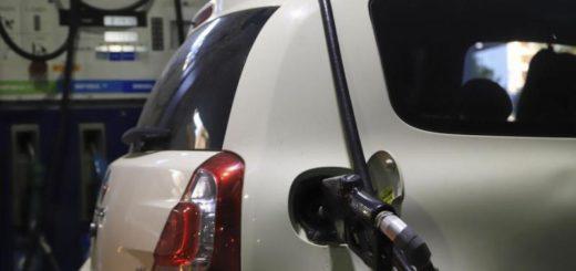 Marcha atrás con la suba del combustible: YPF suspendió el aumento del 5% previsto para este lunes