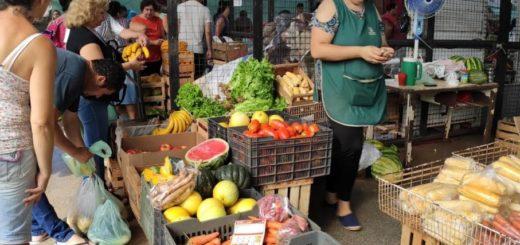 El Mercado Concentrador Zonal reúne gran cantidad de clientes durante la última mañana del año