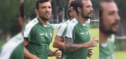 La primera foto de Daniel Osvaldo con la camiseta de Banfield