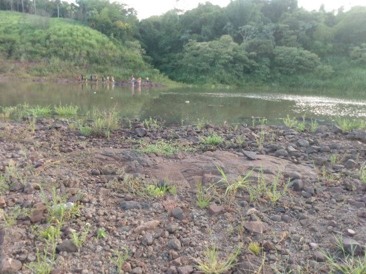 Esperanza: intensa búsqueda de un joven de 17 años que se lanzó a las aguas del Río Paraná