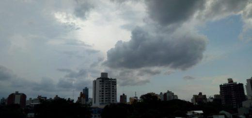 Desde la OPAD, informan que se avecina un intenso frente de tormentas con riesgos de descargas eléctricas