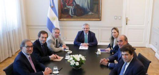 Alberto Fernández encabezó la primera reunión del equipo encargado de la relación con EE.UU. y los organismos multilaterales