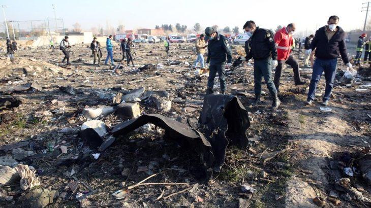 Tragedia y error iraní con el avión comercial ucraniano: el Presidente iraní se disculpó con su par ucraniano por el derribo