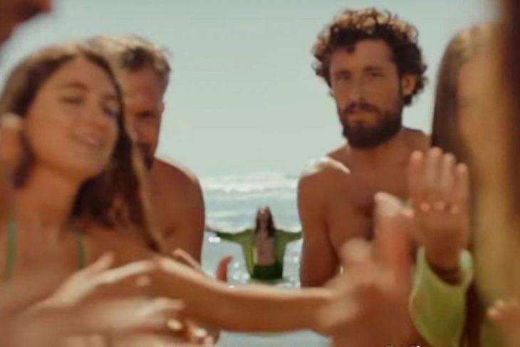 Heineken lanzó una original publicidad para diferenciarse del aviso de Brahma criticado por machista