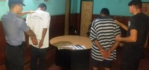 Policías atraparon a dos jóvenes cuando robaban a punta de cuchillo a un abuelo en San Vicente